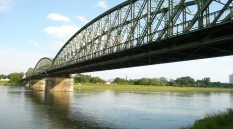 Heritage at Risk: Demolish? The Linz Railway Bridge in Austria